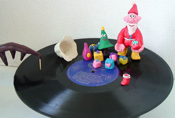 Santa runs on the record!